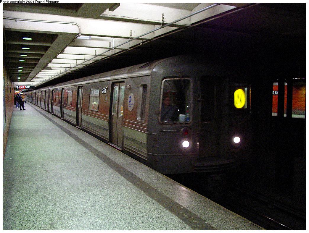 (270k, 1044x788)<br><b>Country:</b> United States<br><b>City:</b> New York<br><b>System:</b> New York City Transit<br><b>Line:</b> BMT Broadway Line<br><b>Location:</b> 49th Street <br><b>Car:</b> R-68 (Westinghouse-Amrail, 1986-1988)  2794 <br><b>Photo by:</b> David Pirmann<br><b>Date:</b> 11/19/2004<br><b>Viewed (this week/total):</b> 1 / 5827