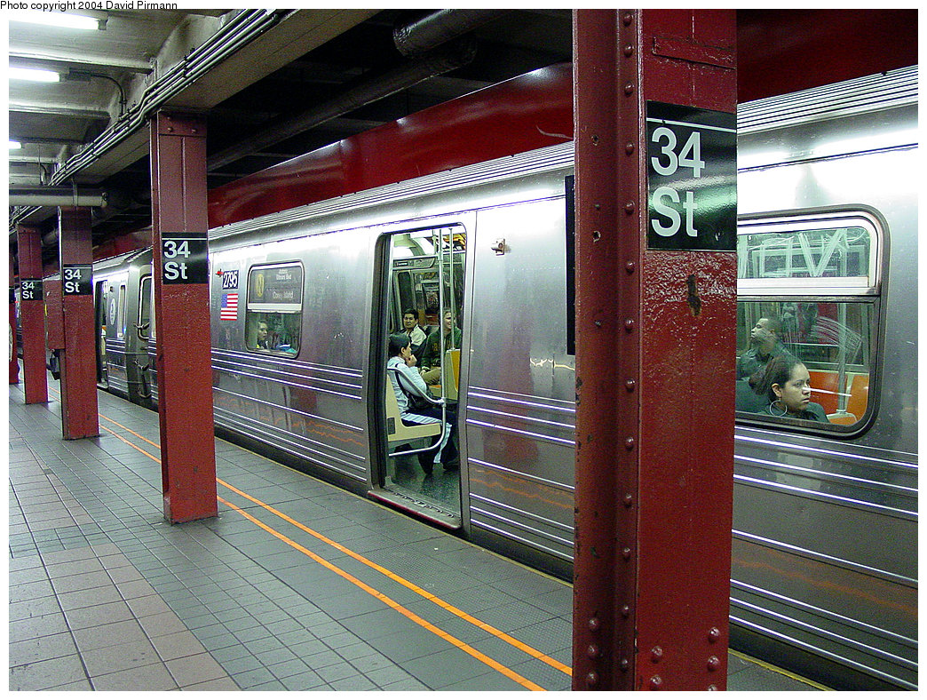(352k, 1044x788)<br><b>Country:</b> United States<br><b>City:</b> New York<br><b>System:</b> New York City Transit<br><b>Line:</b> BMT Broadway Line<br><b>Location:</b> 34th Street/Herald Square <br><b>Car:</b> R-68 (Westinghouse-Amrail, 1986-1988)  2795 <br><b>Photo by:</b> David Pirmann<br><b>Date:</b> 11/19/2004<br><b>Viewed (this week/total):</b> 0 / 6922