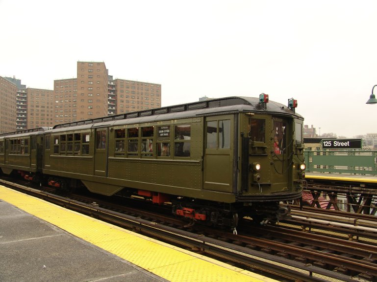 (85k, 769x577)<br><b>Country:</b> United States<br><b>City:</b> New York<br><b>System:</b> New York City Transit<br><b>Line:</b> IRT West Side Line<br><b>Location:</b> 125th Street <br><b>Route:</b> Fan Trip<br><b>Car:</b> Low-V (Museum Train) 5443 <br><b>Photo by:</b> Richard Panse<br><b>Date:</b> 11/21/2004<br><b>Viewed (this week/total):</b> 0 / 2867