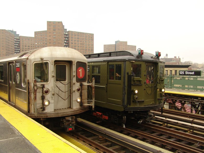 (92k, 778x584)<br><b>Country:</b> United States<br><b>City:</b> New York<br><b>System:</b> New York City Transit<br><b>Line:</b> IRT West Side Line<br><b>Location:</b> 125th Street <br><b>Route:</b> Fan Trip<br><b>Car:</b> R-62A (Bombardier, 1984-1987)  2360 <br><b>Photo by:</b> Richard Panse<br><b>Date:</b> 11/21/2004<br><b>Notes:</b> With R62 2360<br><b>Viewed (this week/total):</b> 2 / 3707