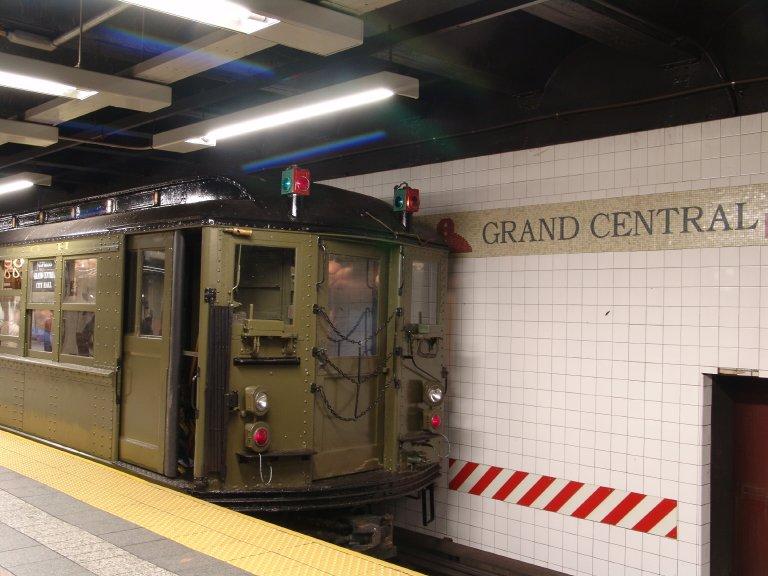 (83k, 768x576)<br><b>Country:</b> United States<br><b>City:</b> New York<br><b>System:</b> New York City Transit<br><b>Line:</b> IRT Times Square-Grand Central Shuttle<br><b>Location:</b> Grand Central <br><b>Route:</b> Fan Trip<br><b>Car:</b> Low-V (Museum Train) 5443 <br><b>Photo by:</b> Richard Panse<br><b>Date:</b> 11/21/2004<br><b>Viewed (this week/total):</b> 0 / 2590