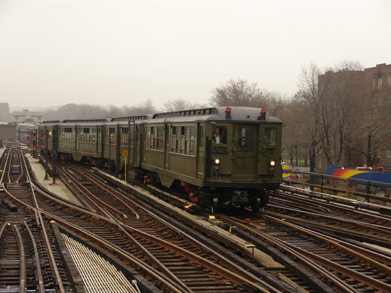 (104k, 773x580)<br><b>Country:</b> United States<br><b>City:</b> New York<br><b>System:</b> New York City Transit<br><b>Line:</b> IRT West Side Line<br><b>Location:</b> 238th Street <br><b>Route:</b> Fan Trip<br><b>Car:</b> Low-V (Museum Train) 5443 <br><b>Photo by:</b> Richard Panse<br><b>Date:</b> 11/21/2004<br><b>Viewed (this week/total):</b> 0 / 3119