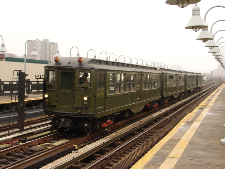 (87k, 790x593)<br><b>Country:</b> United States<br><b>City:</b> New York<br><b>System:</b> New York City Transit<br><b>Line:</b> IRT West Side Line<br><b>Location:</b> 238th Street <br><b>Route:</b> Fan Trip<br><b>Car:</b> Low-V (Museum Train) 5292 <br><b>Photo by:</b> Richard Panse<br><b>Date:</b> 11/21/2004<br><b>Viewed (this week/total):</b> 3 / 2729