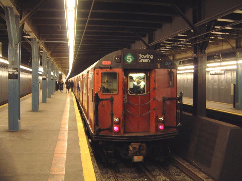 (65k, 800x600)<br><b>Country:</b> United States<br><b>City:</b> New York<br><b>System:</b> New York City Transit<br><b>Line:</b> IRT Dyre Ave. Line<br><b>Location:</b> Pelham Parkway <br><b>Route:</b> Fan Trip<br><b>Car:</b> R-33 World's Fair (St. Louis, 1963-64) 9309 <br><b>Photo by:</b> Bob Vogel<br><b>Date:</b> 12/20/2003<br><b>Viewed (this week/total):</b> 8 / 6547