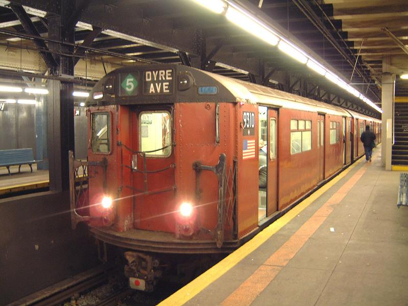 (70k, 800x600)<br><b>Country:</b> United States<br><b>City:</b> New York<br><b>System:</b> New York City Transit<br><b>Line:</b> IRT Dyre Ave. Line<br><b>Location:</b> Pelham Parkway <br><b>Route:</b> Fan Trip<br><b>Car:</b> R-33 World's Fair (St. Louis, 1963-64) 9310 <br><b>Photo by:</b> Bob Vogel<br><b>Date:</b> 12/20/2003<br><b>Viewed (this week/total):</b> 3 / 5999
