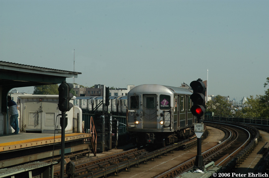 (146k, 864x574)<br><b>Country:</b> United States<br><b>City:</b> New York<br><b>System:</b> New York City Transit<br><b>Line:</b> IRT Flushing Line<br><b>Location:</b> 46th Street/Bliss Street <br><b>Route:</b> 7<br><b>Car:</b> R-62A (Bombardier, 1984-1987)  1686 <br><b>Photo by:</b> Peter Ehrlich<br><b>Date:</b> 10/3/2006<br><b>Viewed (this week/total):</b> 1 / 2637