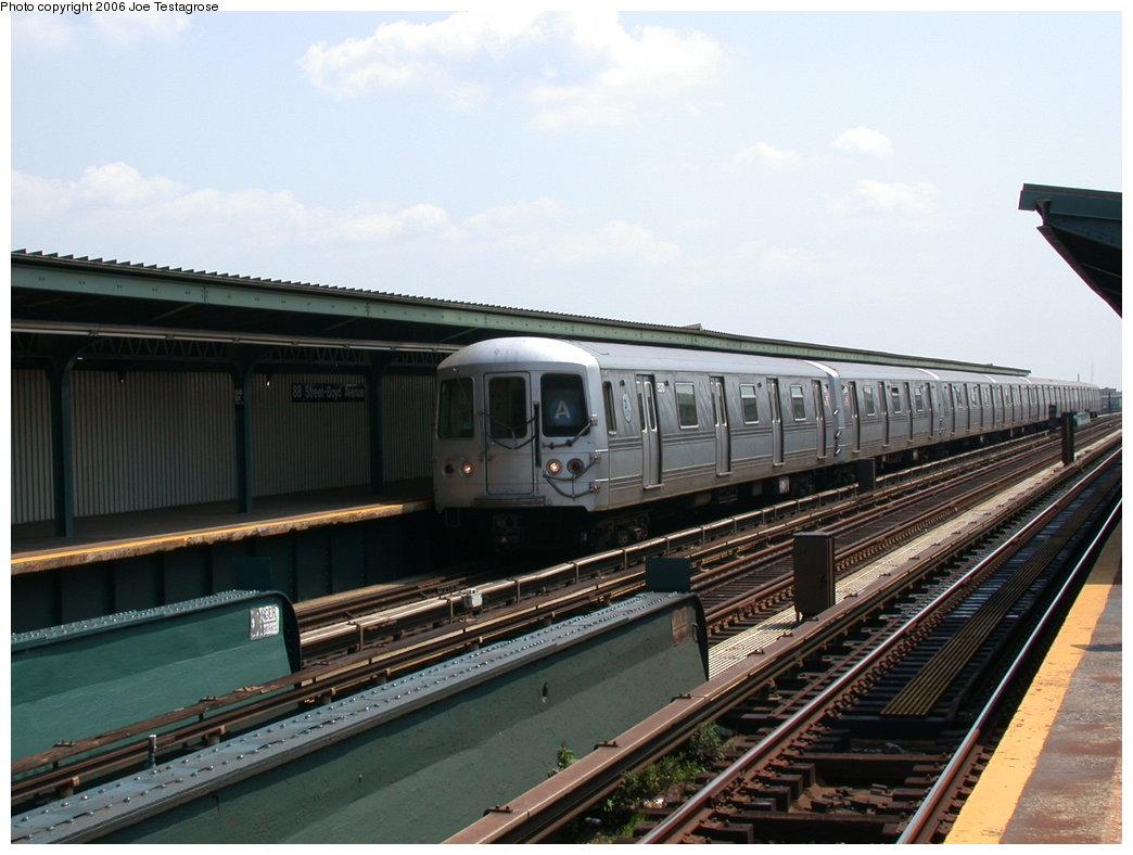 (188k, 1044x788)<br><b>Country:</b> United States<br><b>City:</b> New York<br><b>System:</b> New York City Transit<br><b>Line:</b> IND Fulton Street Line<br><b>Location:</b> 88th Street/Boyd Avenue <br><b>Route:</b> A<br><b>Car:</b> R-44 (St. Louis, 1971-73) 5270 <br><b>Photo by:</b> Joe Testagrose<br><b>Date:</b> 7/17/2004<br><b>Viewed (this week/total):</b> 2 / 3417