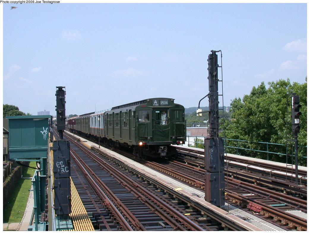 (212k, 1044x788)<br><b>Country:</b> United States<br><b>City:</b> New York<br><b>System:</b> New York City Transit<br><b>Line:</b> IND Fulton Street Line<br><b>Location:</b> 88th Street/Boyd Avenue <br><b>Route:</b> Fan Trip<br><b>Car:</b> R-4 (American Car & Foundry, 1932-1933) 484 <br><b>Photo by:</b> Joe Testagrose<br><b>Date:</b> 7/17/2004<br><b>Viewed (this week/total):</b> 0 / 3037