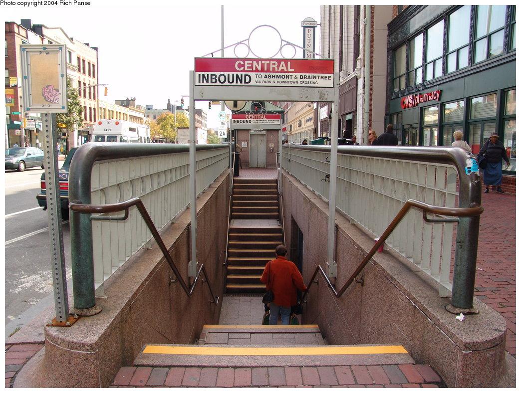 (235k, 1044x788)<br><b>Country:</b> United States<br><b>City:</b> Boston, MA<br><b>System:</b> MBTA<br><b>Line:</b> MBTA Red Line<br><b>Location:</b> Central<br><b>Photo by:</b> Richard Panse<br><b>Date:</b> 10/1/2004<br><b>Viewed (this week/total):</b> 2 / 4490