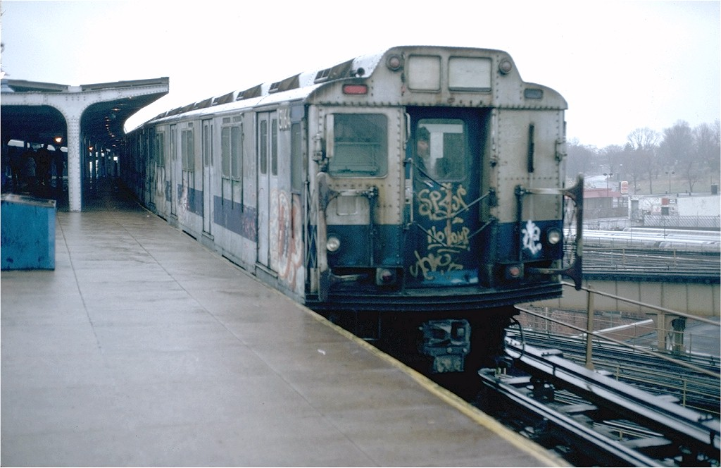 (159k, 1024x664)<br><b>Country:</b> United States<br><b>City:</b> New York<br><b>System:</b> New York City Transit<br><b>Line:</b> BMT Canarsie Line<br><b>Location:</b> Broadway Junction <br><b>Route:</b> LL<br><b>Car:</b> R-10 (American Car & Foundry, 1948) 3164 <br><b>Photo by:</b> Doug Grotjahn<br><b>Collection of:</b> Joe Testagrose<br><b>Date:</b> 11/28/1980<br><b>Viewed (this week/total):</b> 7 / 4678
