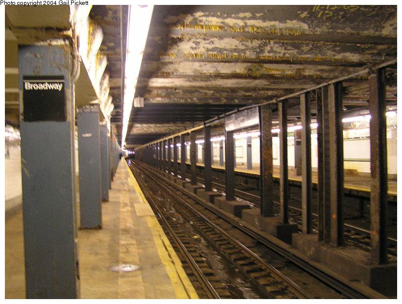 (172k, 820x619)<br><b>Country:</b> United States<br><b>City:</b> New York<br><b>System:</b> New York City Transit<br><b>Line:</b> IND Crosstown Line<br><b>Location:</b> Broadway <br><b>Photo by:</b> Gail Pickett<br><b>Date:</b> 12/5/2004<br><b>Viewed (this week/total):</b> 0 / 5557