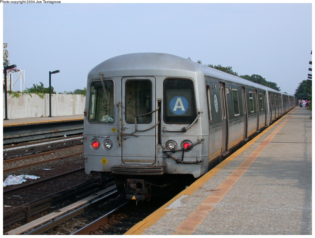 (189k, 1044x788)<br><b>Country:</b> United States<br><b>City:</b> New York<br><b>System:</b> New York City Transit<br><b>Line:</b> IND Rockaway<br><b>Location:</b> Aqueduct/North Conduit Avenue <br><b>Route:</b> A<br><b>Car:</b> R-44 (St. Louis, 1971-73) 5304 <br><b>Photo by:</b> Joe Testagrose<br><b>Date:</b> 7/17/2004<br><b>Viewed (this week/total):</b> 1 / 3939