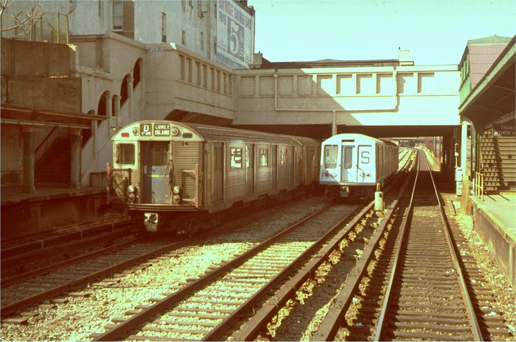 (222k, 1024x679)<br><b>Country:</b> United States<br><b>City:</b> New York<br><b>System:</b> New York City Transit<br><b>Line:</b> BMT Sea Beach Line<br><b>Location:</b> Fort Hamilton Parkway <br><b>Car:</b> R-32 (Budd, 1964)  3547 <br><b>Collection of:</b> Joe Testagrose<br><b>Date:</b> 1968<br><b>Viewed (this week/total):</b> 2 / 5700
