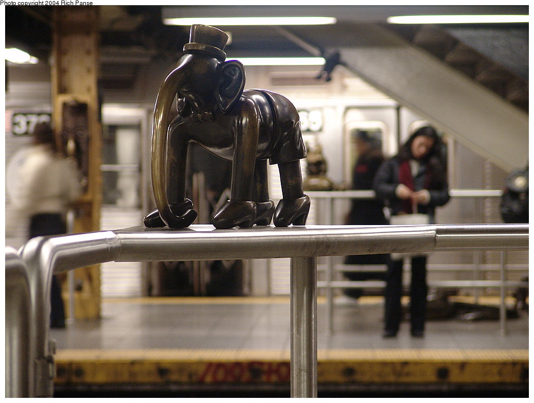 (174k, 1044x788)<br><b>Country:</b> United States<br><b>City:</b> New York<br><b>System:</b> New York City Transit<br><b>Line:</b> IND 8th Avenue Line<br><b>Location:</b> 14th Street <br><b>Photo by:</b> Richard Panse<br><b>Date:</b> 12/15/2004<br><b>Artwork:</b> <i>Life Underground</i>, Tom Otterness (2000).<br><b>Viewed (this week/total):</b> 0 / 4013