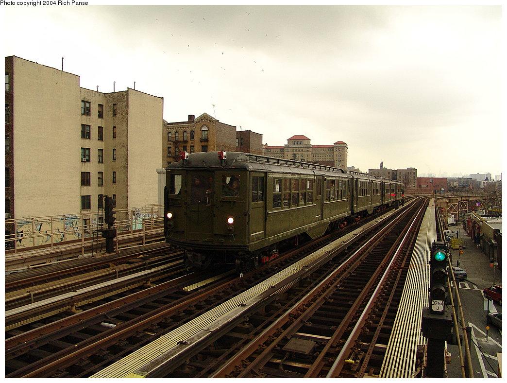 (222k, 1044x788)<br><b>Country:</b> United States<br><b>City:</b> New York<br><b>System:</b> New York City Transit<br><b>Line:</b> IRT Woodlawn Line<br><b>Location:</b> 170th Street <br><b>Route:</b> Fan Trip<br><b>Car:</b> Low-V (Museum Train) 5483 <br><b>Photo by:</b> Richard Panse<br><b>Date:</b> 12/19/2004<br><b>Viewed (this week/total):</b> 2 / 2941