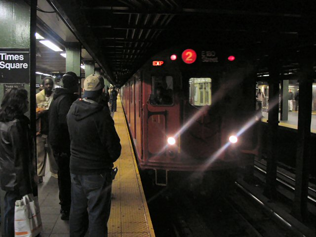 (58k, 640x480)<br><b>Country:</b> United States<br><b>City:</b> New York<br><b>System:</b> New York City Transit<br><b>Line:</b> IRT West Side Line<br><b>Location:</b> Times Square/42nd Street <br><b>Route:</b> 2<br><b>Car:</b> R-33 Main Line (St. Louis, 1962-63) 9017 <br><b>Photo by:</b> Dante D. Angerville<br><b>Date:</b> 12/11/2004<br><b>Viewed (this week/total):</b> 0 / 6410