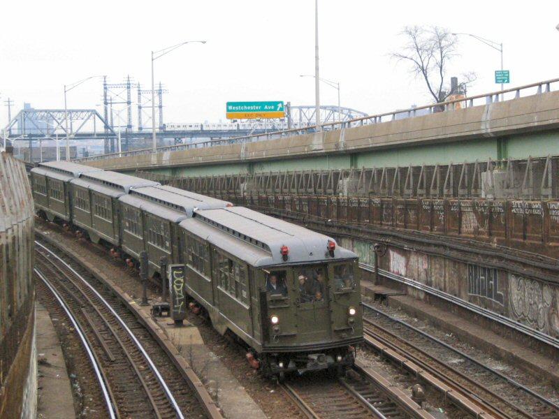 (110k, 800x600)<br><b>Country:</b> United States<br><b>City:</b> New York<br><b>System:</b> New York City Transit<br><b>Line:</b> IRT Pelham Line<br><b>Location:</b> Whitlock Avenue <br><b>Route:</b> Fan Trip<br><b>Car:</b> Low-V (Museum Train) 5292 <br><b>Photo by:</b> Dante D. Angerville<br><b>Date:</b> 12/19/2004<br><b>Viewed (this week/total):</b> 0 / 4062
