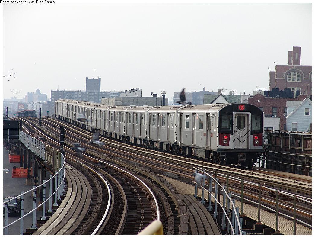 (219k, 1044x788)<br><b>Country:</b> United States<br><b>City:</b> New York<br><b>System:</b> New York City Transit<br><b>Line:</b> IRT Pelham Line<br><b>Location:</b> East 177th Street/Parkchester <br><b>Route:</b> 6<br><b>Car:</b> R-142A (Primary Order, Kawasaki, 1999-2002)  7550 <br><b>Photo by:</b> Richard Panse<br><b>Date:</b> 12/19/2004<br><b>Viewed (this week/total):</b> 1 / 4685