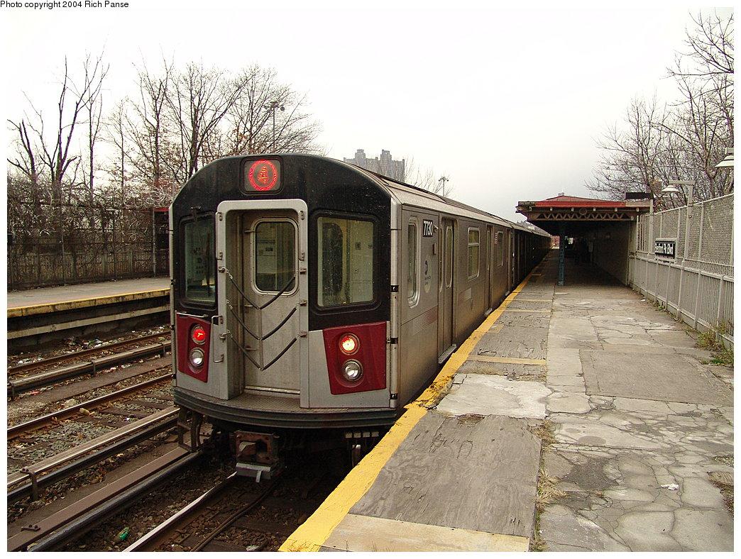 (263k, 1044x788)<br><b>Country:</b> United States<br><b>City:</b> New York<br><b>System:</b> New York City Transit<br><b>Line:</b> IRT Woodlawn Line<br><b>Location:</b> Bedford Park Boulevard <br><b>Route:</b> 4<br><b>Car:</b> R-142A (Option Order, Kawasaki, 2002-2003)  7730 <br><b>Photo by:</b> Richard Panse<br><b>Date:</b> 12/19/2004<br><b>Viewed (this week/total):</b> 0 / 4596