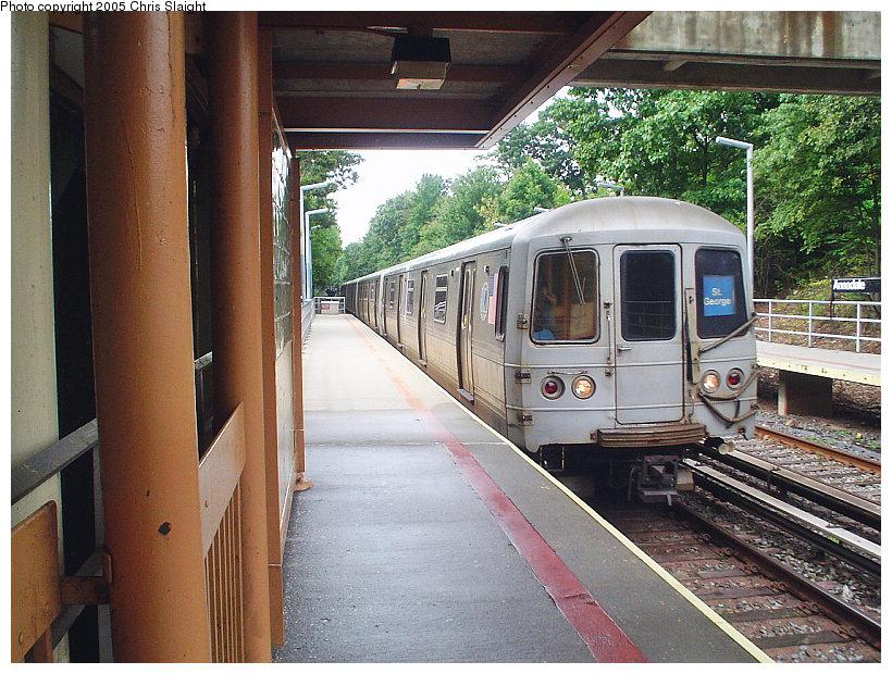 (207k, 820x620)<br><b>Country:</b> United States<br><b>City:</b> New York<br><b>System:</b> New York City Transit<br><b>Line:</b> SIRT<br><b>Location:</b> Annadale<br><b>Car:</b> R-44 SIRT (St. Louis, 1971-1973)  <br><b>Photo by:</b> Chris Slaight<br><b>Date:</b> 9/16/2004<br><b>Viewed (this week/total):</b> 0 / 4417