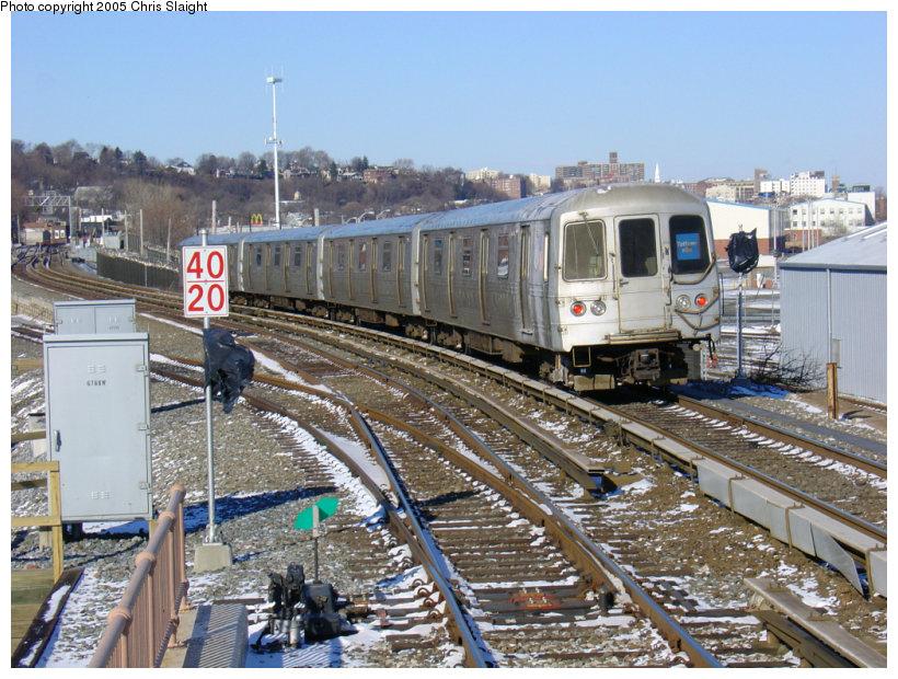 (187k, 820x620)<br><b>Country:</b> United States<br><b>City:</b> New York<br><b>System:</b> New York City Transit<br><b>Line:</b> SIRT<br><b>Location:</b> Clifton <br><b>Car:</b> R-44 SIRT (St. Louis, 1971-1973)  <br><b>Photo by:</b> Chris Slaight<br><b>Date:</b> 12/27/2004<br><b>Viewed (this week/total):</b> 1 / 6250