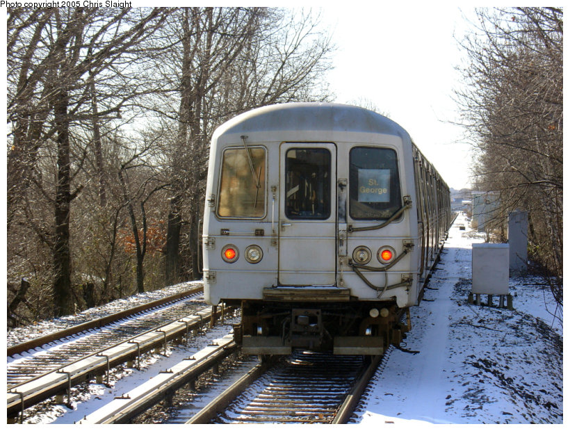 (221k, 820x620)<br><b>Country:</b> United States<br><b>City:</b> New York<br><b>System:</b> New York City Transit<br><b>Line:</b> SIRT<br><b>Location:</b> Dongan Hills <br><b>Car:</b> R-44 SIRT (St. Louis, 1971-1973)  <br><b>Photo by:</b> Chris Slaight<br><b>Date:</b> 12/27/2004<br><b>Viewed (this week/total):</b> 0 / 4423
