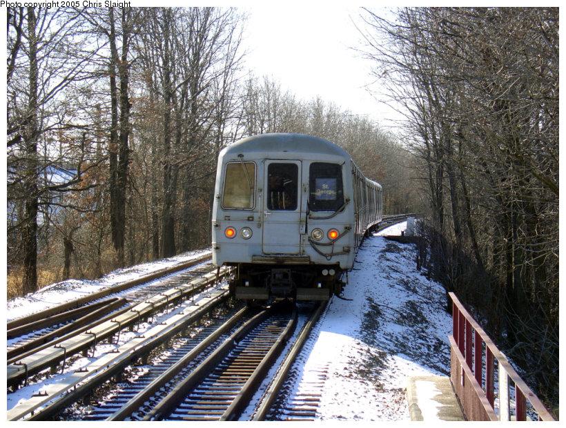 (251k, 820x620)<br><b>Country:</b> United States<br><b>City:</b> New York<br><b>System:</b> New York City Transit<br><b>Line:</b> SIRT<br><b>Location:</b> Eltingville <br><b>Car:</b> R-44 SIRT (St. Louis, 1971-1973)  <br><b>Photo by:</b> Chris Slaight<br><b>Date:</b> 12/27/2004<br><b>Viewed (this week/total):</b> 6 / 4486