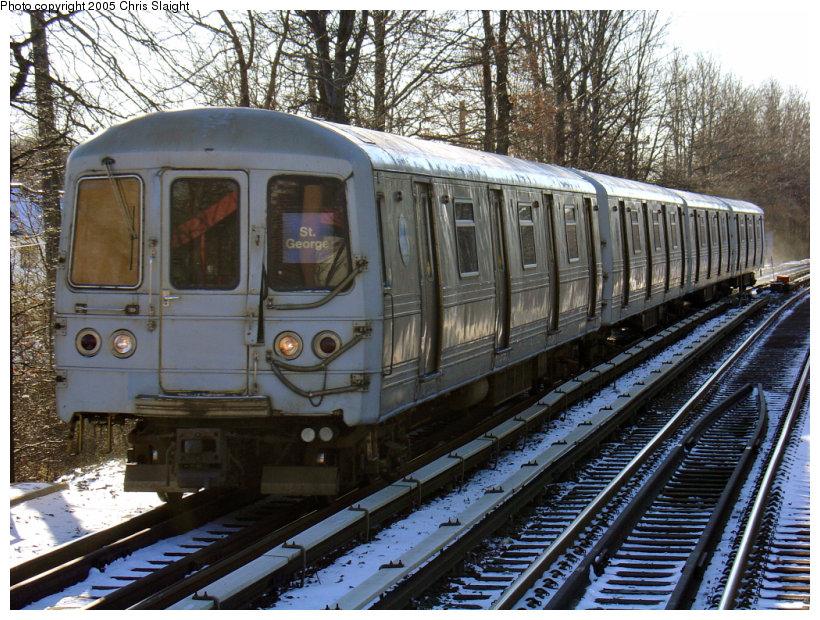 (223k, 820x620)<br><b>Country:</b> United States<br><b>City:</b> New York<br><b>System:</b> New York City Transit<br><b>Line:</b> SIRT<br><b>Location:</b> Eltingville <br><b>Car:</b> R-44 SIRT (St. Louis, 1971-1973)  <br><b>Photo by:</b> Chris Slaight<br><b>Date:</b> 12/27/2004<br><b>Viewed (this week/total):</b> 1 / 4515