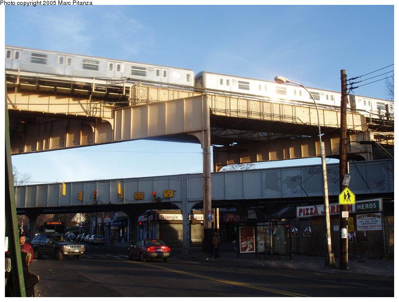 (122k, 820x620)<br><b>Country:</b> United States<br><b>City:</b> New York<br><b>System:</b> New York City Transit<br><b>Location:</b> Lefferts Blvd-Richmond Hill<br><b>Route:</b> J<br><b>Car:</b> R-42 (St. Louis, 1969-1970)  4669 <br><b>Photo by:</b> Marc Pitanza<br><b>Date:</b> 1/2/2005<br><b>Viewed (this week/total):</b> 0 / 3923