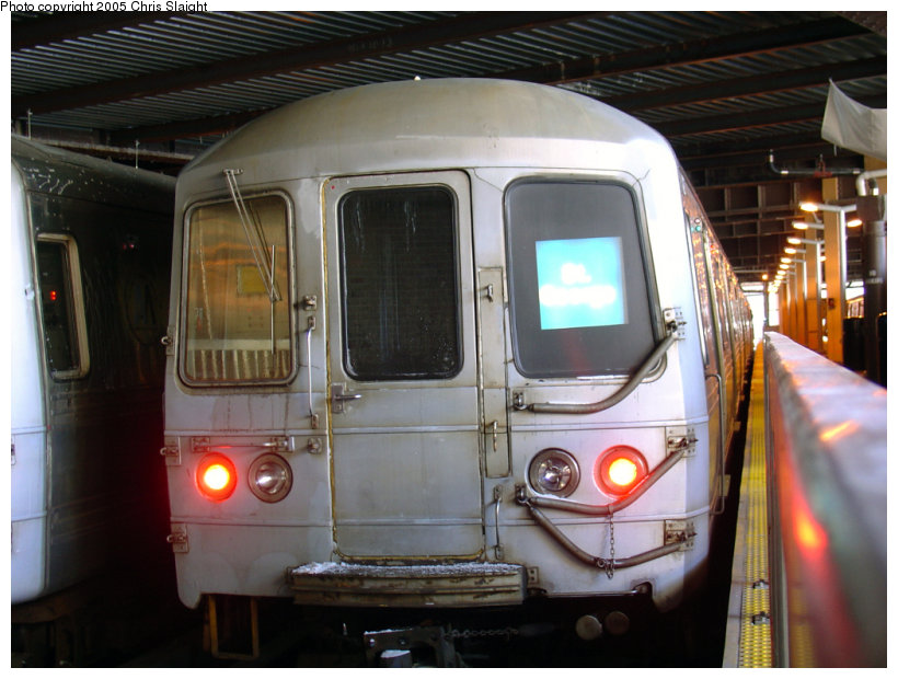 (142k, 820x620)<br><b>Country:</b> United States<br><b>City:</b> New York<br><b>System:</b> New York City Transit<br><b>Line:</b> SIRT<br><b>Location:</b> St. George <br><b>Car:</b> R-44 SIRT (St. Louis, 1971-1973)  <br><b>Photo by:</b> Chris Slaight<br><b>Date:</b> 12/26/2004<br><b>Viewed (this week/total):</b> 2 / 5304