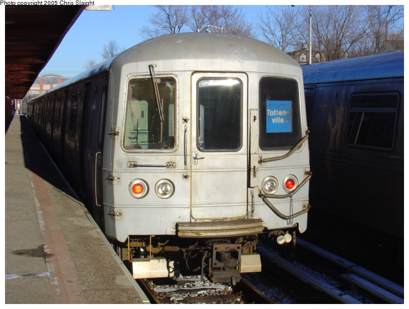 (129k, 820x620)<br><b>Country:</b> United States<br><b>City:</b> New York<br><b>System:</b> New York City Transit<br><b>Line:</b> SIRT<br><b>Location:</b> Tottenville <br><b>Car:</b> R-44 SIRT (St. Louis, 1971-1973)  <br><b>Photo by:</b> Chris Slaight<br><b>Date:</b> 12/27/2004<br><b>Viewed (this week/total):</b> 2 / 3896
