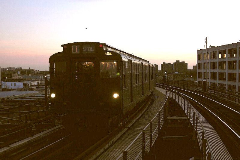 (83k, 800x532)<br><b>Country:</b> United States<br><b>City:</b> New York<br><b>System:</b> New York City Transit<br><b>Line:</b> BMT Canarsie Line<br><b>Location:</b> Atlantic Avenue <br><b>Route:</b> Fan Trip<br><b>Car:</b> R-9 (Pressed Steel, 1940)  1802 <br><b>Photo by:</b> Fred Guenther<br><b>Date:</b> 1/1/2005<br><b>Viewed (this week/total):</b> 0 / 3235