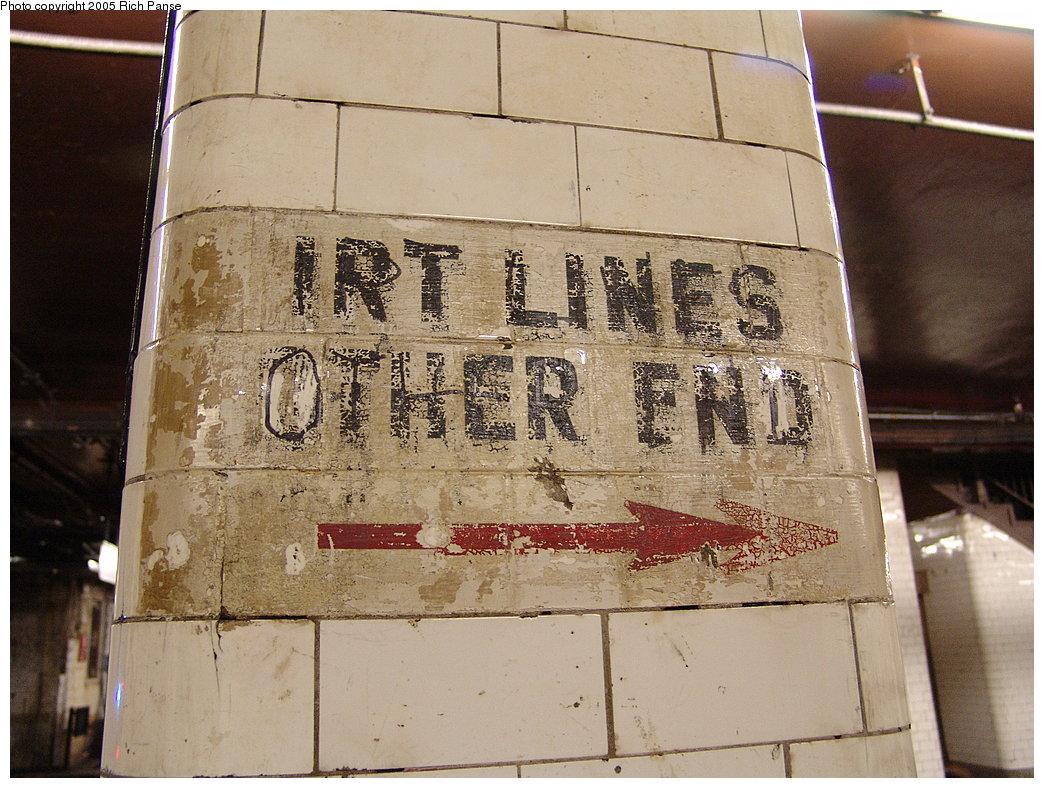 (222k, 1044x788)<br><b>Country:</b> United States<br><b>City:</b> New York<br><b>System:</b> New York City Transit<br><b>Line:</b> BMT Nassau Street/Jamaica Line<br><b>Location:</b> Chambers Street <br><b>Photo by:</b> Richard Panse<br><b>Date:</b> 1/1/2005<br><b>Viewed (this week/total):</b> 3 / 4405