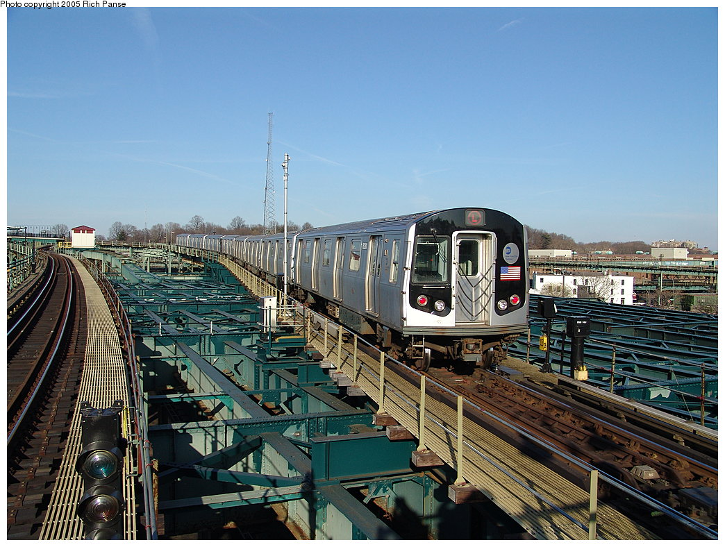 (244k, 1044x788)<br><b>Country:</b> United States<br><b>City:</b> New York<br><b>System:</b> New York City Transit<br><b>Line:</b> BMT Canarsie Line<br><b>Location:</b> Atlantic Avenue <br><b>Route:</b> L<br><b>Car:</b> R-143 (Kawasaki, 2001-2002) 8281 <br><b>Photo by:</b> Richard Panse<br><b>Date:</b> 1/1/2005<br><b>Viewed (this week/total):</b> 1 / 6078
