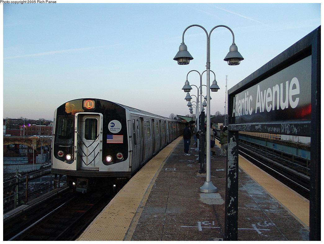 (201k, 1044x788)<br><b>Country:</b> United States<br><b>City:</b> New York<br><b>System:</b> New York City Transit<br><b>Line:</b> BMT Canarsie Line<br><b>Location:</b> Atlantic Avenue <br><b>Route:</b> L<br><b>Car:</b> R-143 (Kawasaki, 2001-2002) 8272 <br><b>Photo by:</b> Richard Panse<br><b>Date:</b> 1/1/2005<br><b>Viewed (this week/total):</b> 0 / 5151