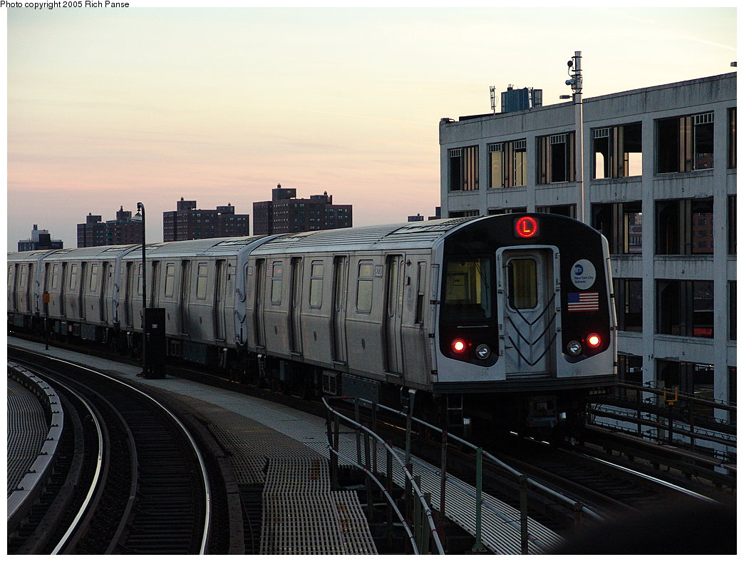 (189k, 1044x788)<br><b>Country:</b> United States<br><b>City:</b> New York<br><b>System:</b> New York City Transit<br><b>Line:</b> BMT Canarsie Line<br><b>Location:</b> Atlantic Avenue <br><b>Route:</b> L<br><b>Car:</b> R-143 (Kawasaki, 2001-2002) 8220 <br><b>Photo by:</b> Richard Panse<br><b>Date:</b> 1/1/2005<br><b>Viewed (this week/total):</b> 1 / 4527