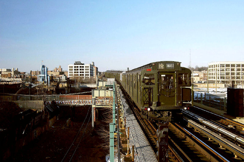 (116k, 800x532)<br><b>Country:</b> United States<br><b>City:</b> New York<br><b>System:</b> New York City Transit<br><b>Line:</b> BMT Canarsie Line<br><b>Location:</b> Sutter Avenue <br><b>Route:</b> Fan Trip<br><b>Car:</b> R-1 (American Car & Foundry, 1930-1931) 100 <br><b>Photo by:</b> Fred Guenther<br><b>Date:</b> 1/1/2005<br><b>Viewed (this week/total):</b> 0 / 3577