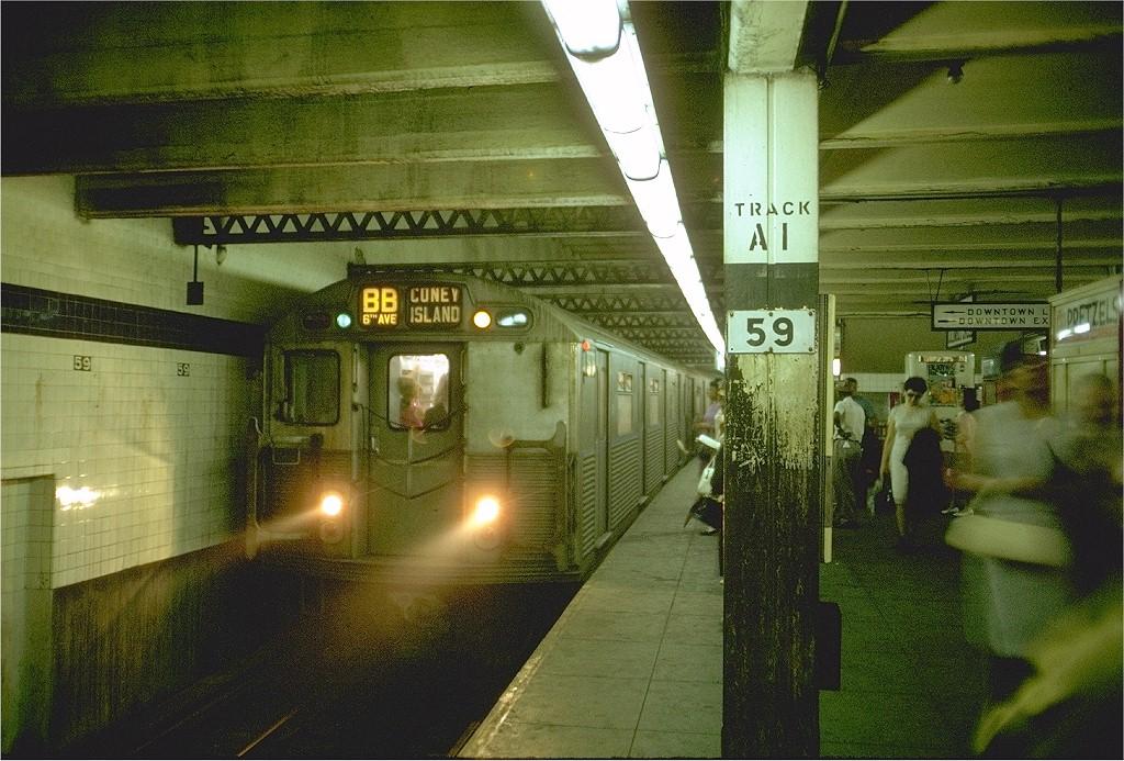 (246k, 1024x693)<br><b>Country:</b> United States<br><b>City:</b> New York<br><b>System:</b> New York City Transit<br><b>Line:</b> IND 8th Avenue Line<br><b>Location:</b> 59th Street/Columbus Circle <br><b>Route:</b> B<br><b>Car:</b> R-38 (St. Louis, 1966-1967)  3978 <br><b>Photo by:</b> Doug Grotjahn<br><b>Collection of:</b> Joe Testagrose<br><b>Date:</b> 8/4/1969<br><b>Viewed (this week/total):</b> 0 / 4357