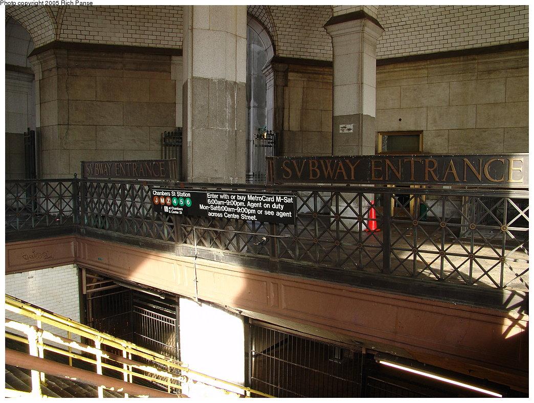(241k, 1044x788)<br><b>Country:</b> United States<br><b>City:</b> New York<br><b>System:</b> New York City Transit<br><b>Line:</b> BMT Nassau Street/Jamaica Line<br><b>Location:</b> Chambers Street <br><b>Photo by:</b> Richard Panse<br><b>Date:</b> 1/1/2005<br><b>Viewed (this week/total):</b> 3 / 9258