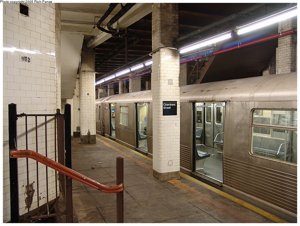 (250k, 1044x788)<br><b>Country:</b> United States<br><b>City:</b> New York<br><b>System:</b> New York City Transit<br><b>Line:</b> BMT Nassau Street/Jamaica Line<br><b>Location:</b> Chambers Street <br><b>Route:</b> J<br><b>Car:</b> R-42 (St. Louis, 1969-1970)  4557 <br><b>Photo by:</b> Richard Panse<br><b>Date:</b> 1/1/2005<br><b>Viewed (this week/total):</b> 2 / 6107