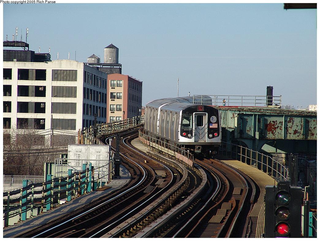 (253k, 1044x788)<br><b>Country:</b> United States<br><b>City:</b> New York<br><b>System:</b> New York City Transit<br><b>Line:</b> BMT Canarsie Line<br><b>Location:</b> Sutter Avenue <br><b>Route:</b> L<br><b>Car:</b> R-143 (Kawasaki, 2001-2002)  <br><b>Photo by:</b> Richard Panse<br><b>Date:</b> 1/1/2005<br><b>Viewed (this week/total):</b> 0 / 5689