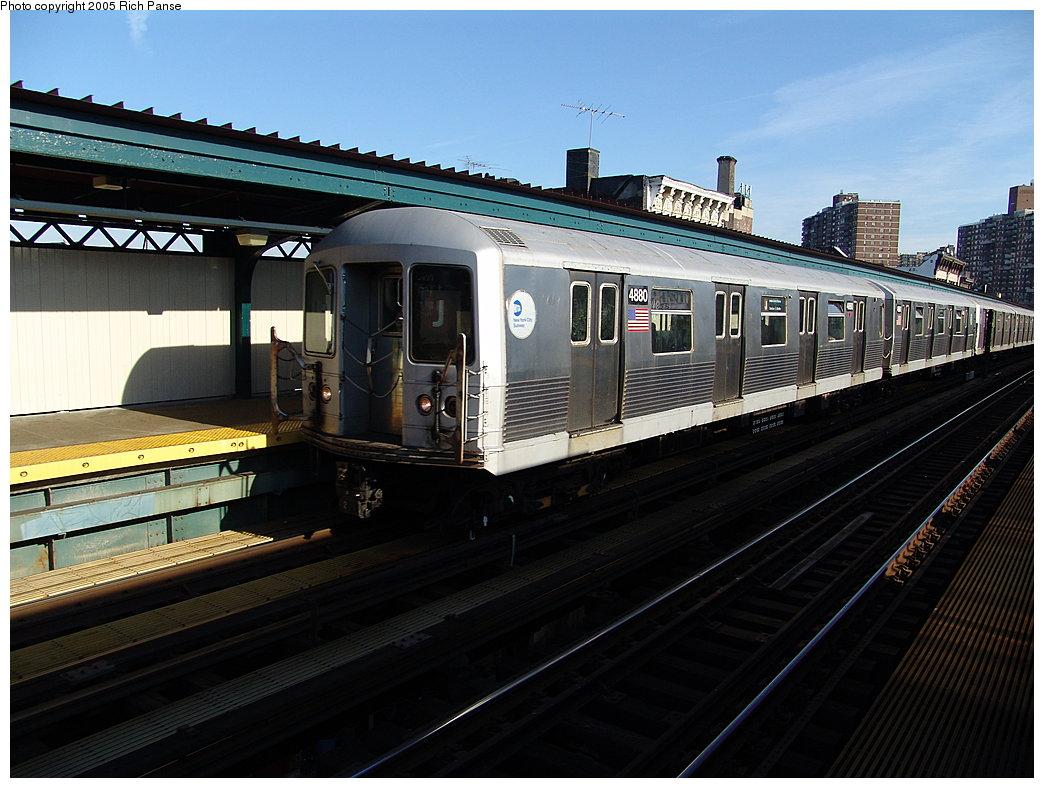(188k, 1044x788)<br><b>Country:</b> United States<br><b>City:</b> New York<br><b>System:</b> New York City Transit<br><b>Line:</b> BMT Nassau Street/Jamaica Line<br><b>Location:</b> Hewes Street <br><b>Route:</b> J<br><b>Car:</b> R-42 (St. Louis, 1969-1970)  4880 <br><b>Photo by:</b> Richard Panse<br><b>Date:</b> 1/1/2005<br><b>Viewed (this week/total):</b> 0 / 3392