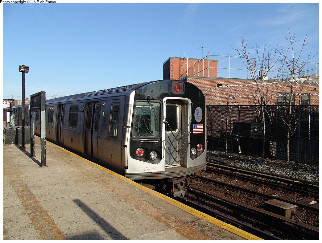 (241k, 1044x788)<br><b>Country:</b> United States<br><b>City:</b> New York<br><b>System:</b> New York City Transit<br><b>Line:</b> BMT Canarsie Line<br><b>Location:</b> East 105th Street <br><b>Route:</b> L<br><b>Car:</b> R-143 (Kawasaki, 2001-2002) 8197 <br><b>Photo by:</b> Richard Panse<br><b>Date:</b> 1/1/2005<br><b>Viewed (this week/total):</b> 1 / 4928