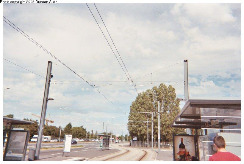 (84k, 820x553)<br><b>Country:</b> France<br><b>City:</b> Caen<br><b>System:</b> Compagnie des Transports de l'Agglomération Caennaise<br><b>Location:</b> Côte de Nacre<br><b>Photo by:</b> Duncan Allen<br><b>Date:</b> 6/30/2004<br><b>Notes:</b> Overhead contact system at Côte de Nacre station.<br><b>Viewed (this week/total):</b> 0 / 2862