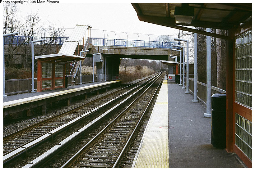 (172k, 820x551)<br><b>Country:</b> United States<br><b>City:</b> New York<br><b>System:</b> New York City Transit<br><b>Line:</b> SIRT<br><b>Location:</b> Richmond Valley <br><b>Photo by:</b> Marc Pitanza<br><b>Date:</b> 1/16/2005<br><b>Notes:</b> View toward St. George from the St. George-bound platform.<br><b>Viewed (this week/total):</b> 1 / 3297