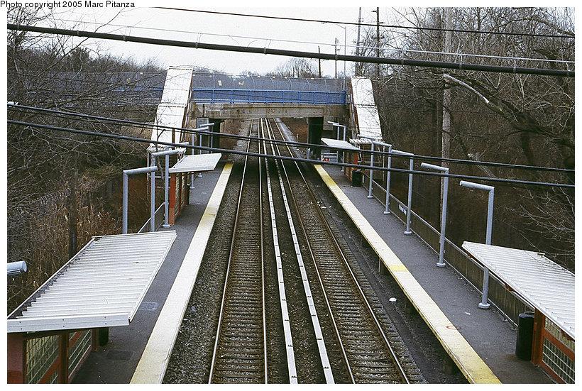 (197k, 820x551)<br><b>Country:</b> United States<br><b>City:</b> New York<br><b>System:</b> New York City Transit<br><b>Line:</b> SIRT<br><b>Location:</b> Richmond Valley <br><b>Photo by:</b> Marc Pitanza<br><b>Date:</b> 1/16/2005<br><b>Notes:</b> View toward St. George from the pedestrian overpass.<br><b>Viewed (this week/total):</b> 0 / 3591