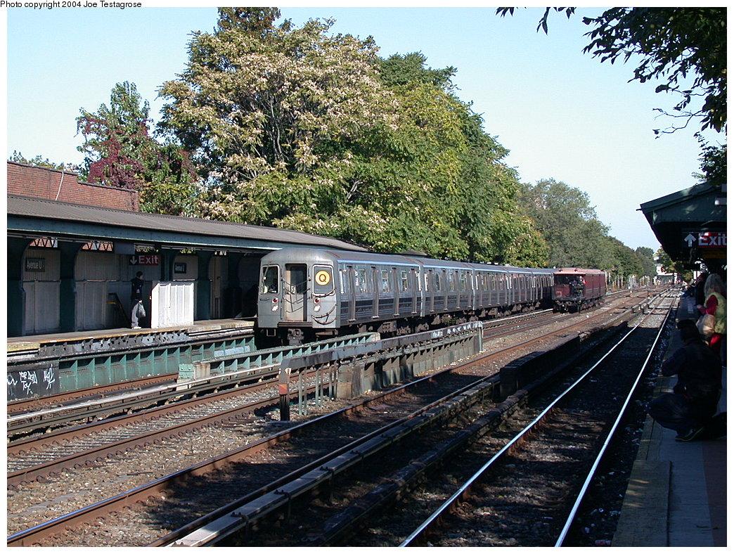 (330k, 1044x788)<br><b>Country:</b> United States<br><b>City:</b> New York<br><b>System:</b> New York City Transit<br><b>Line:</b> BMT Brighton Line<br><b>Location:</b> Avenue U <br><b>Route:</b> Q<br><b>Car:</b> R-68A (Kawasaki, 1988-1989)  5004 <br><b>Photo by:</b> Joe Testagrose<br><b>Date:</b> 10/23/2004<br><b>Viewed (this week/total):</b> 4 / 3864