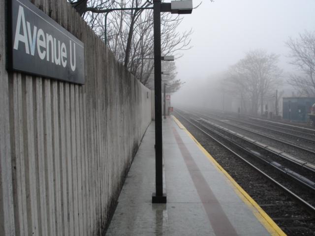 (145k, 640x480)<br><b>Country:</b> United States<br><b>City:</b> New York<br><b>System:</b> New York City Transit<br><b>Line:</b> BMT Brighton Line<br><b>Location:</b> Avenue U <br><b>Photo by:</b> Kris Naudus<br><b>Date:</b> 1/13/2004<br><b>Notes:</b> Northbound platform (facing south).<br><b>Viewed (this week/total):</b> 0 / 1548