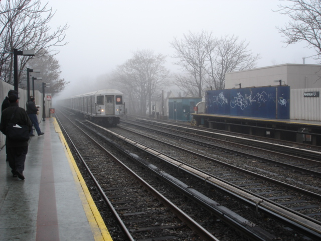 (139k, 640x480)<br><b>Country:</b> United States<br><b>City:</b> New York<br><b>System:</b> New York City Transit<br><b>Line:</b> BMT Brighton Line<br><b>Location:</b> Avenue U <br><b>Photo by:</b> Kris Naudus<br><b>Date:</b> 1/13/2004<br><b>Viewed (this week/total):</b> 0 / 2615