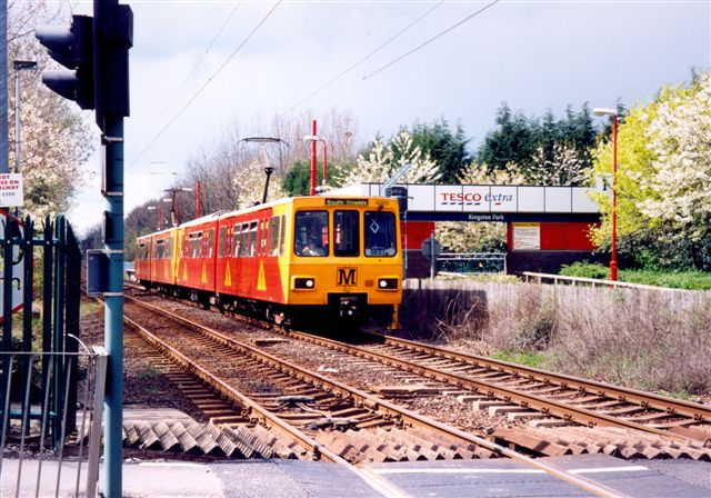 (82k, 640x448)<br><b>Country:</b> United Kingdom<br><b>City:</b> Newcastle<br><b>System:</b> Tyne & Wear Metro<br><b>Location:</b> Kingston Park <br><b>Photo by:</b> Robert Clark<br><b>Date:</b> 4/9/2004<br><b>Viewed (this week/total):</b> 1 / 3122
